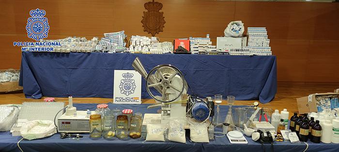 La Policía Nacional desmantela en Valdepeñas el laboratorio clandestino de anabolizantes y hormonas más activo de Europa