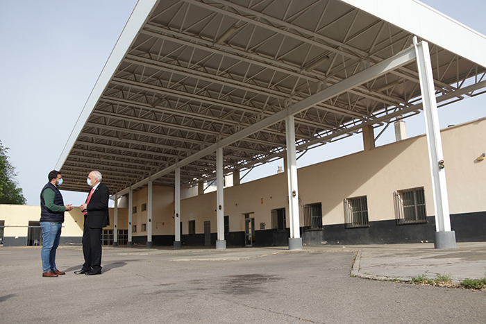 Jornada de trabajo para acordar el futuro de la estación de autobuses de Manzanares
