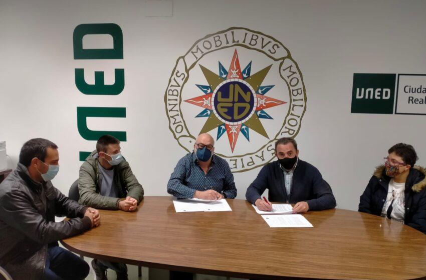 AFADVAL empelo y la UNED firman un contrato para el servicio de consejería