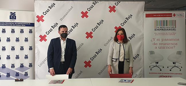 La Asociación de Empresarios de la Construcción de Ciudad Real y Cruz Roja Española firman un acuerdo de colaboración para ofrecer formación TPC y encuentros laborales que mejoren la empleabilidad de colectivos vulnerables