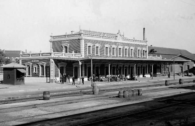 Lo que esconde Valdepeñas… La estación de ferrocarril de Valdepeñas