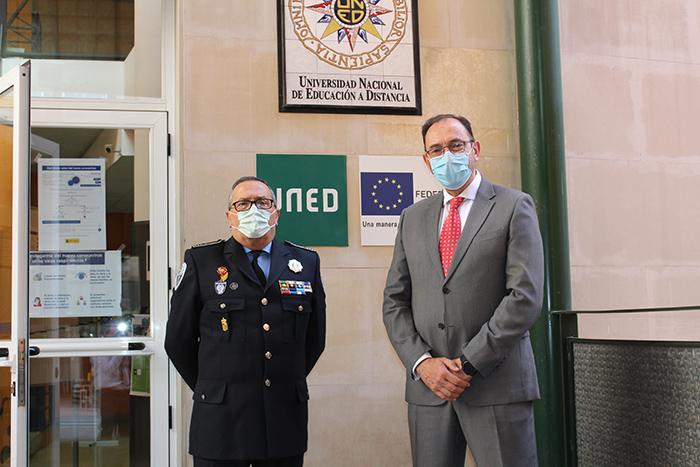 La Guardia Civil, su historia y las funciones que realiza, han sido expuestas en las jornadas del curso de seguridad y defensa de la UNED