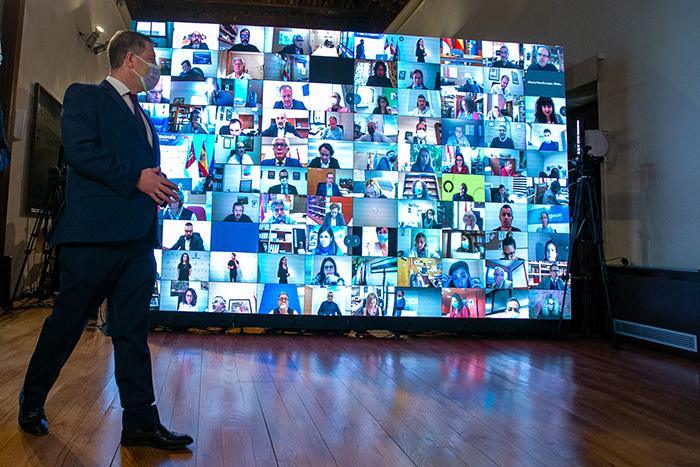 Emiliano García-Page: «Las telecomunicaciones son el medio para alcanzar los objetivos que nos marquemos»