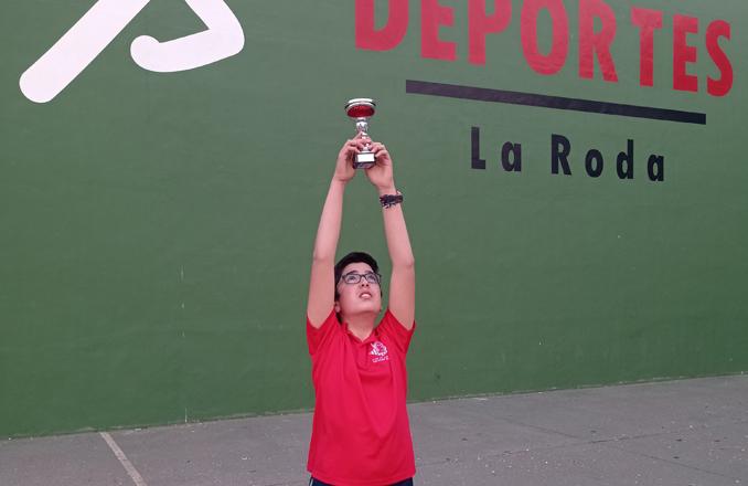 El ajedrecista Santiago David del Club de ajedrez los Molinos vuelve a subirse al podium