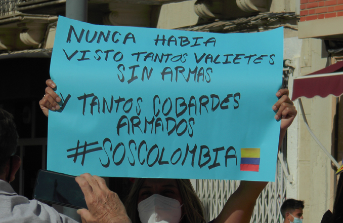 Celebrado un acto de solidaridad con Colombia en Valdepeñas