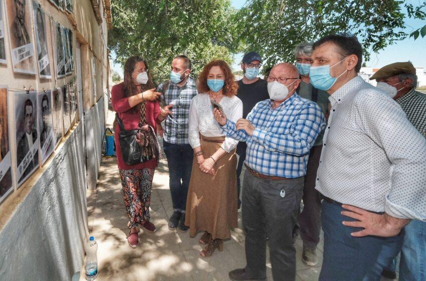 Tierraseca visita la fosa de represaliados franquistas en el cementerio de Almagro