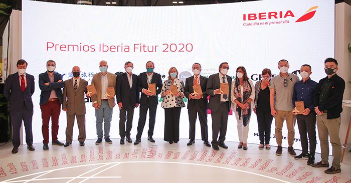 Grupo Oesía galardonado por la labor del Corredor Aéreo Sanitario en los premios Iberia FITUR