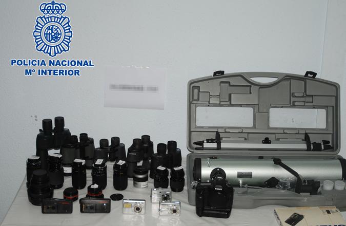 La Policía Nacional detiene a dos personas por robo con fuerza en una tienda de electrónica de Alcázar de San Juan