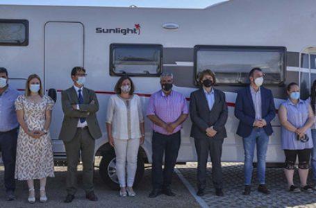 El presidente de la Diputación de Ciudad Real, José Manuel Caballero, ha inaugurado las nuevas áreas de autocaravanas de los municipios de Retuerta del Bullaque y Alcoba de los Montes