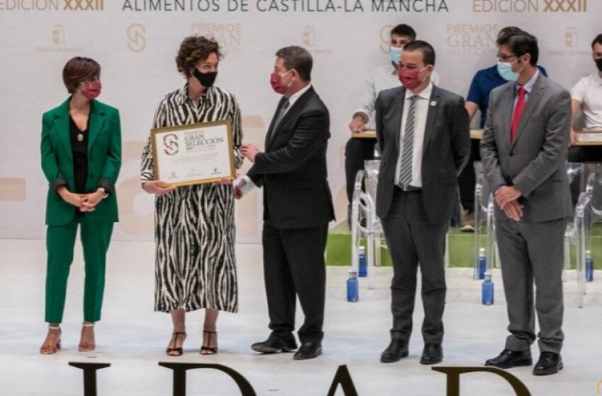 """Caballero pone en valor en los Premios Gran Selección la riqueza gastronómica de nuestra región """"la gran despensa de España y Europa"""""""
