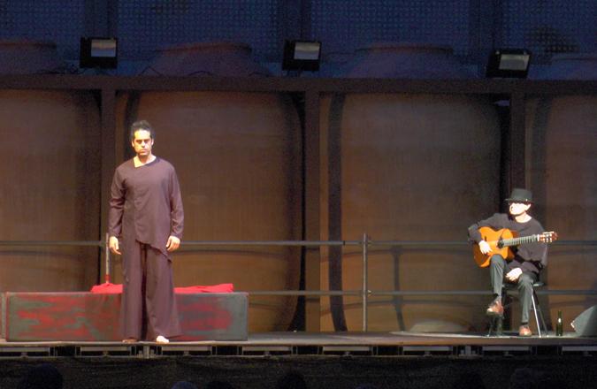 Bodegas A7 acogió «La Celestina» del actor Antonio Campos