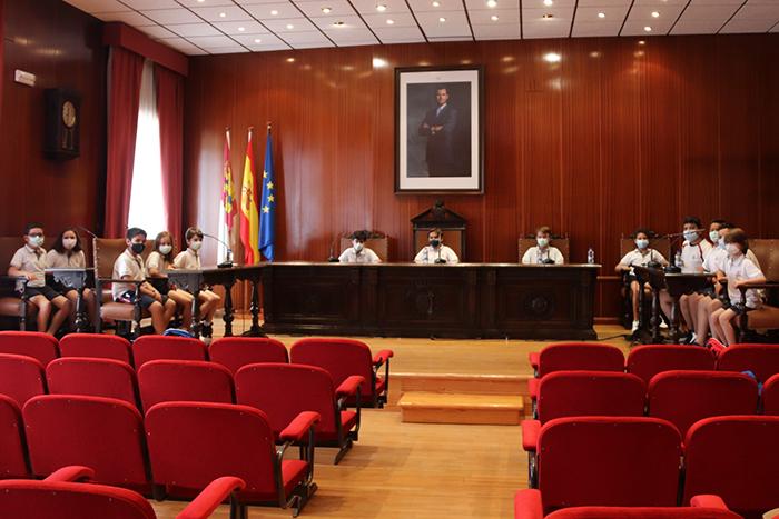 El alumnado del colegio Don Cristóbal visita el Ayuntamiento de Manzanares