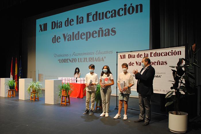 El XII Día de la Educación de Valdepeñas homenajea a la comunidad educativa en tiempos de pandemia