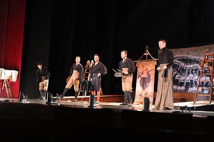 Ron Lalá conquista el Gran Teatro de Manzanares con las andanzas y entremeses de Juan Rana