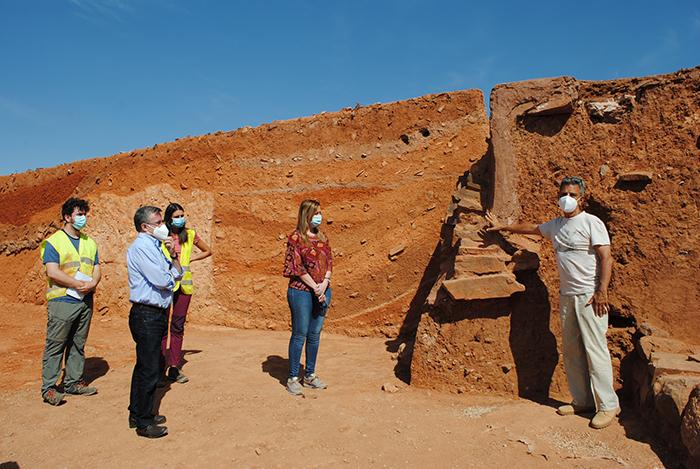Un camino experimental, entre las novedades de los trabajos del máster de arqueología en el Cerro de las Cabezas