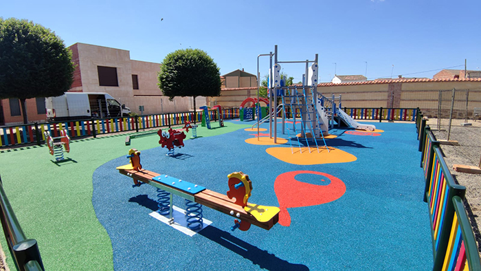 Viso del Marqués reinaugura dos parques infantiles totalmente reformados y dotados de elementos de seguridad