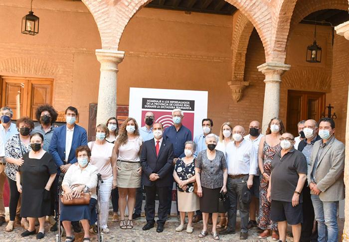 Almagro rinde homenaje a los represaliados durante la dictadura con la exhumación de 28 víctimas del cementerio civil