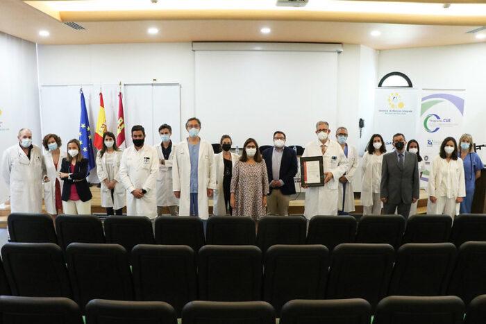 Entrega de la Certificación de Calidad a la Unidad de Enfermedad Inflamatoria Intestinal del Hospital General La Mancha Centro