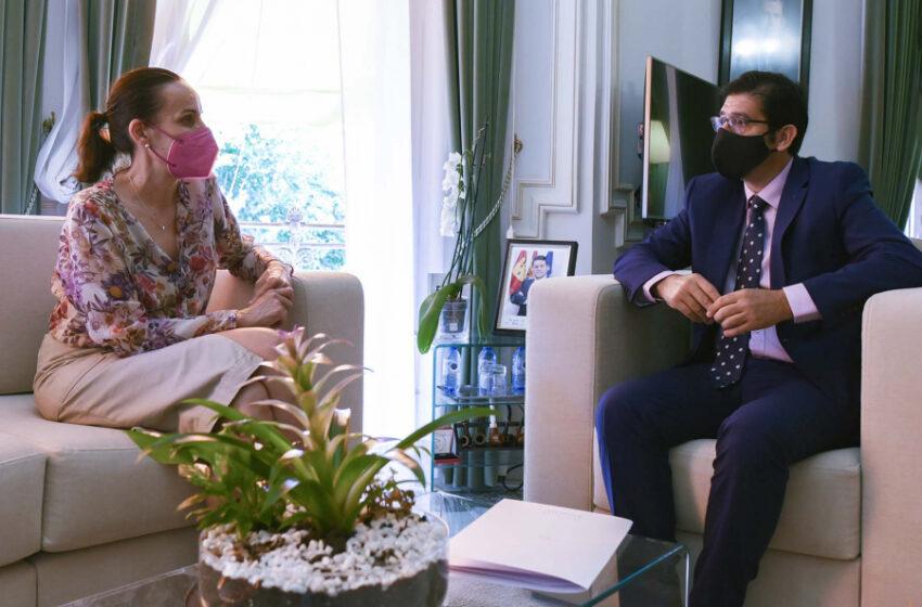 Caballero ha recibido en el Palacio provincial a la nueva alcaldesa de Ciudad Real, Eva María Masías