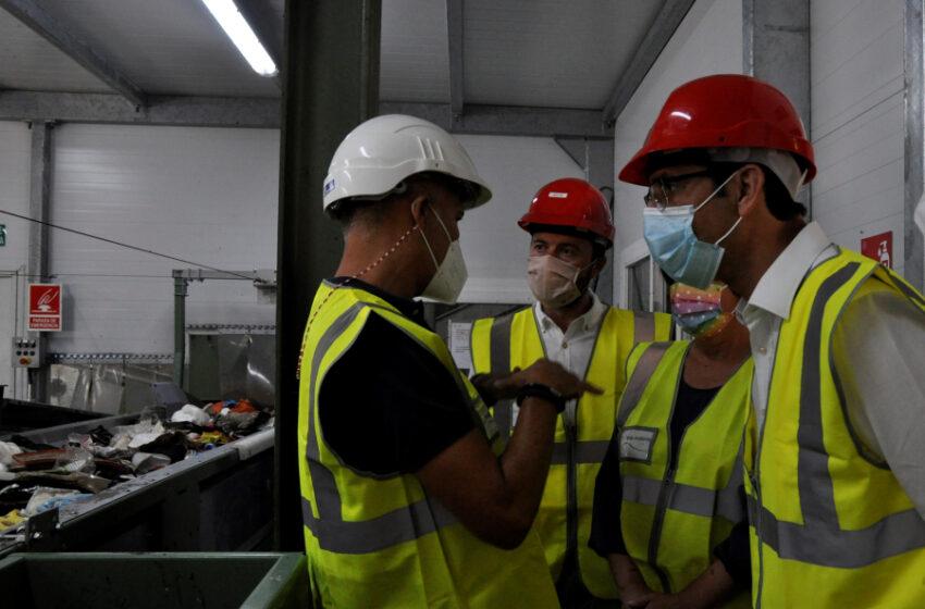 El presidente de la Diputación, el consejero de Desarrollo Sostenible, la presidenta del RSU y el alcalde de Almagro han visitado la planta de tratamiento del Consorcio