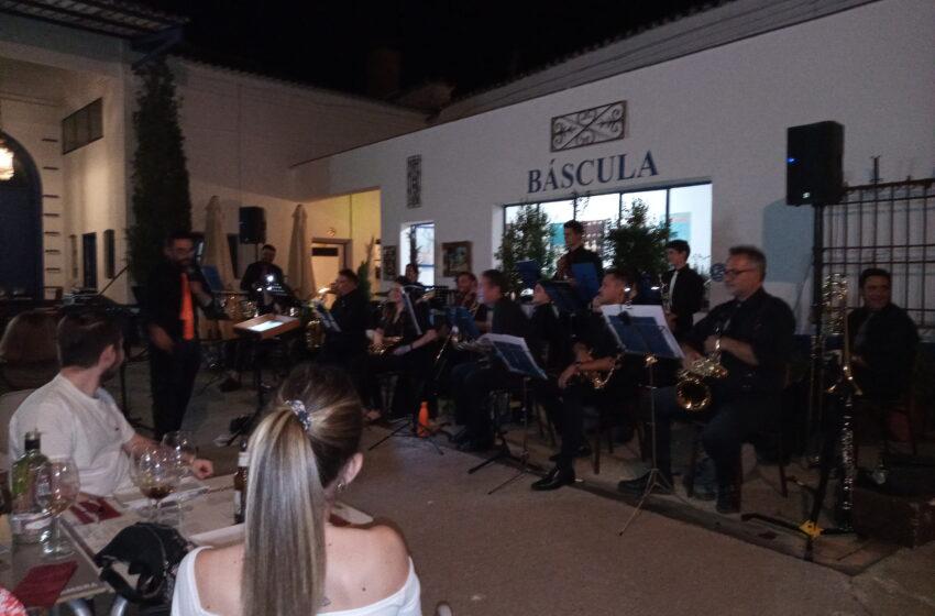 """""""Big Bang"""" ha ofrecido un concierto en Bodega Terraza Jamón Spain de Valdepeñas dentro de sus actividades de «Cultura gastronómica»"""
