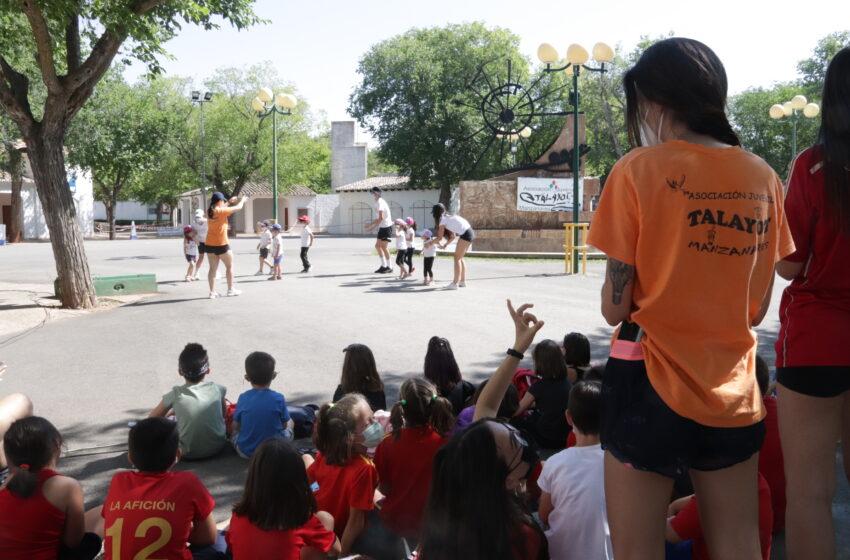 Niños y niñas de 4 a 14 años disfrutan del Campamento urbano y Pequeverano en Manzanares