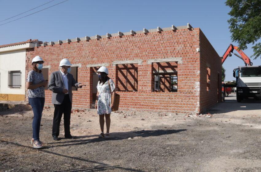Visita a las obras del nuevo centro de día para mayores de 50 años del Centro Ocupacional de Manzanares