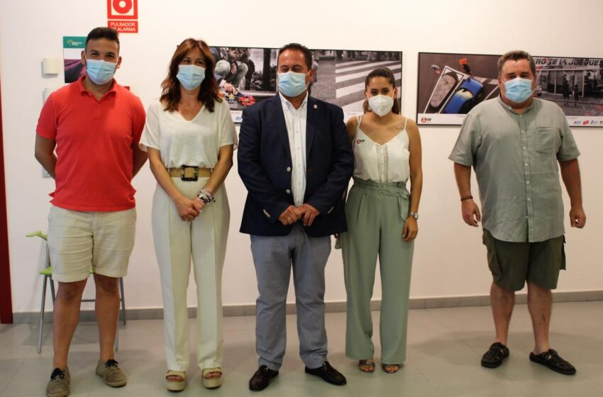 Blanca Fernández asiste a la inauguración en Porzuna de la exposición 'Peatón, no atravieses tu vida'