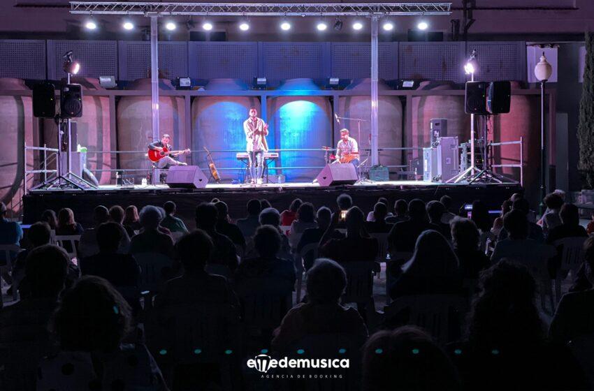 Sixko Durán inunda de alegría con su música las Bodegas A7 de Valdepeñas