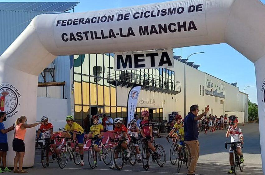 Los pequeños ciclistas y el público protagonizaron un notable Trofeo Manchavino en Socuéllamos
