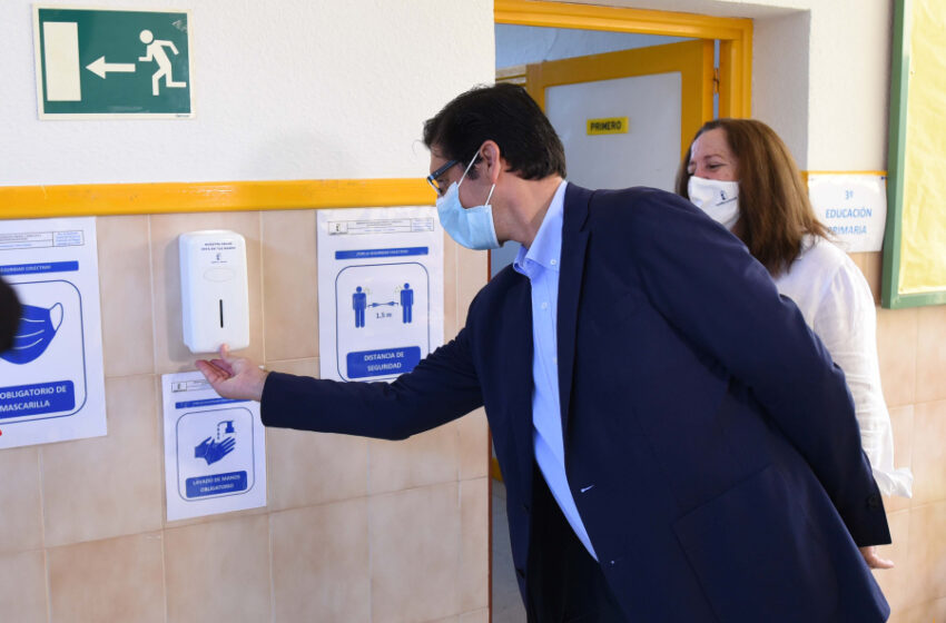 La Diputación retoma el programa «Colegio seguro, refuerzo de limpieza y desinfección» con la contratación de 235 personas y una inversión de 1.250.000 euros