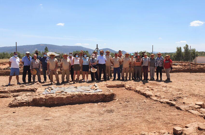 El delegado provincial de la Consejería de Economía, Empresas y Empleo en Ciudad Real, Agustín Espinosa ha visitado Albaladejo