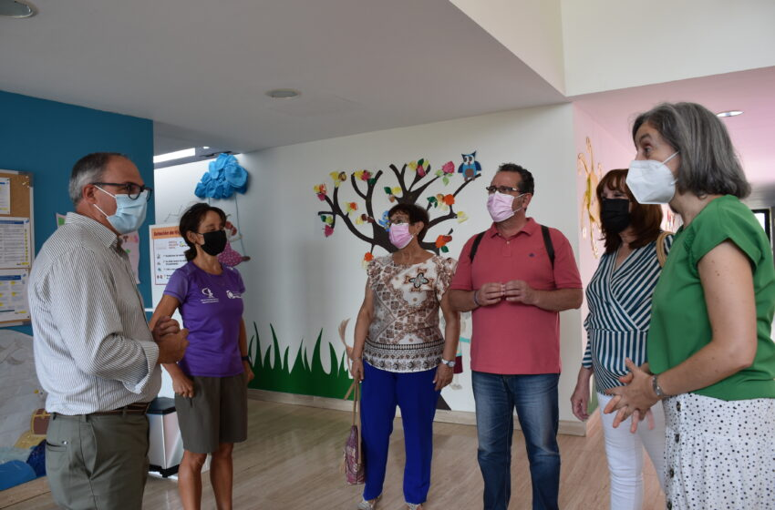 El director general de Discapacidad, Javier Pérez visita el centro de Atención Temprana de La Solana