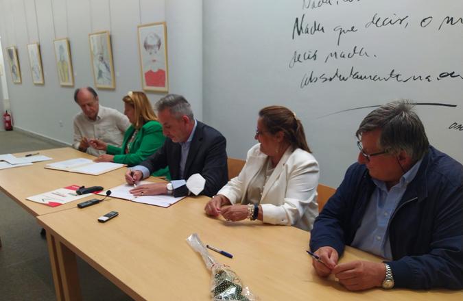 Valdepeñas incorpora a su patrimonio nuevo legado del artista Óscar García Benedí