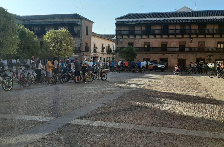 Grandes y mayores toman parte un año más en el Día de la Bicicleta de Villanueva de los Infantes