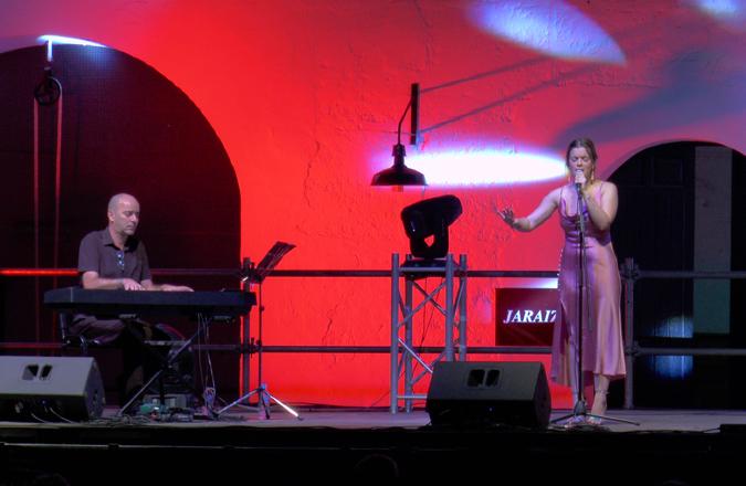 El Museo del Vino acogió el concierto de Lucía Rodríguez