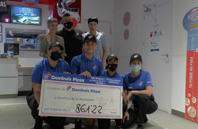 Domino's Pizza entrega parte de la recaudación del viernes a ROSAE