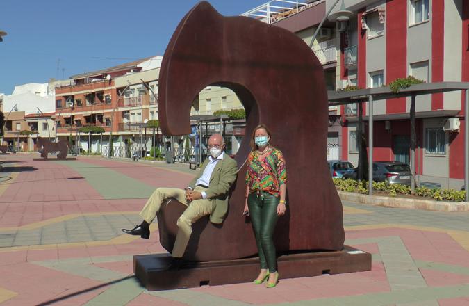 La Avenida 1º de Julio acoge la exposición monumental de Juan Méjica