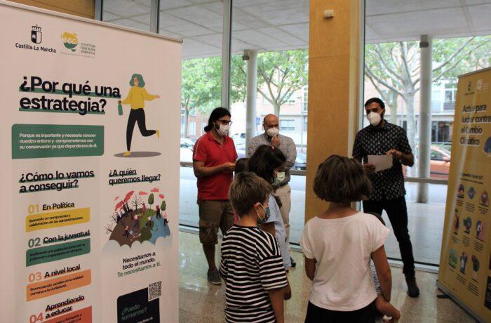 """Exposición """"Súmate al reto de la educación ambiental"""""""