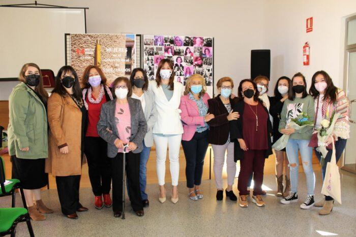 Acto de reconocimiento 'Mujeres en el Gobierno local de Cabezarados'