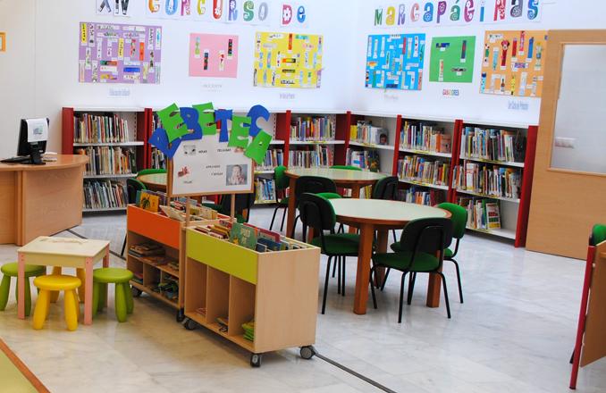 La Biblioteca de Valdepeñas reanuda en noviembre el taller de Bebeteca
