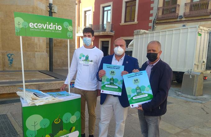 Valdepeñas se adhiere al reto 'Recicla y reforesta' para lograr la plantación de 50 árboles