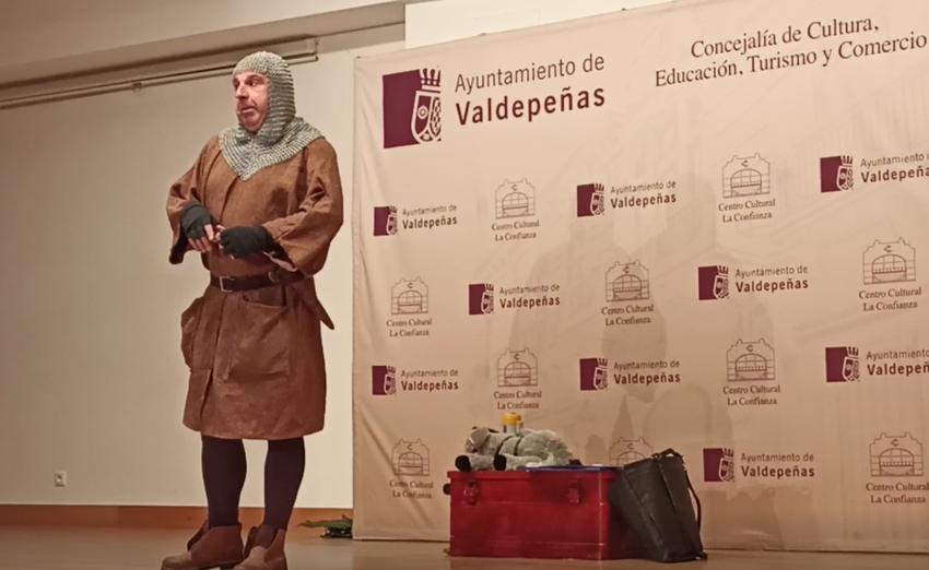 Representación teatral «Tuyo Cid» acargo de la compañía «Malaje solo» en Valdepeñas