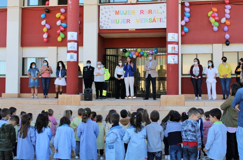 Blanca Fernández visita el CEIP 'Nuestra Señora del Rosario' de Porzuna