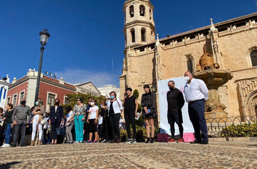 ROSAE celebra una Concentración en Valdepeñas con motivo del Día Internacional del Cáncer de Mama el 19 de octubre