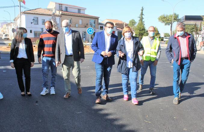 El Gobierno de Castilla-La Mancha invierte 371.000 euros en la mejora de infraestructuras viarias y en políticas activas de empleo en Villahermosa