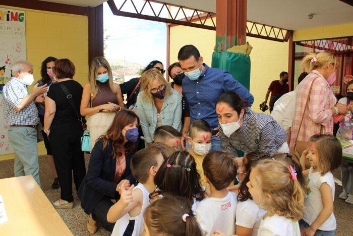 Celebración del Día de Internacional de la No Violencia en el CEIP 'Cervantes' de Santa Cruz de Mudela